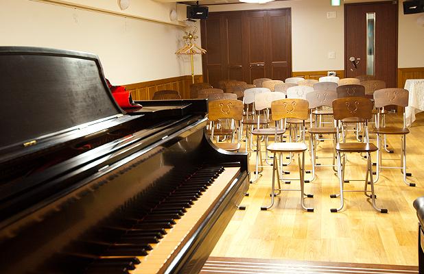 レンタルスタジオ(ピアノ付)